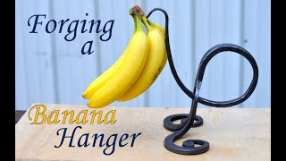 How to Forge a Banana Hanger // Cool Blacksmithing Projects