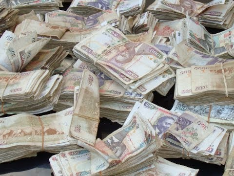 Video of Machine Printing FAKE MONEY in Nairobi Private House.It prints 18000 ksh in seconds.
