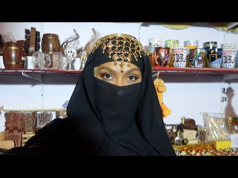 DUBAI FOOD, CULTURE, AND DESERT CAMEL RIDING!