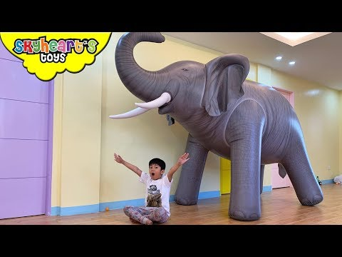GIANT ELEPHANT Prank! Skyheart animals for kids toys safari pretend play