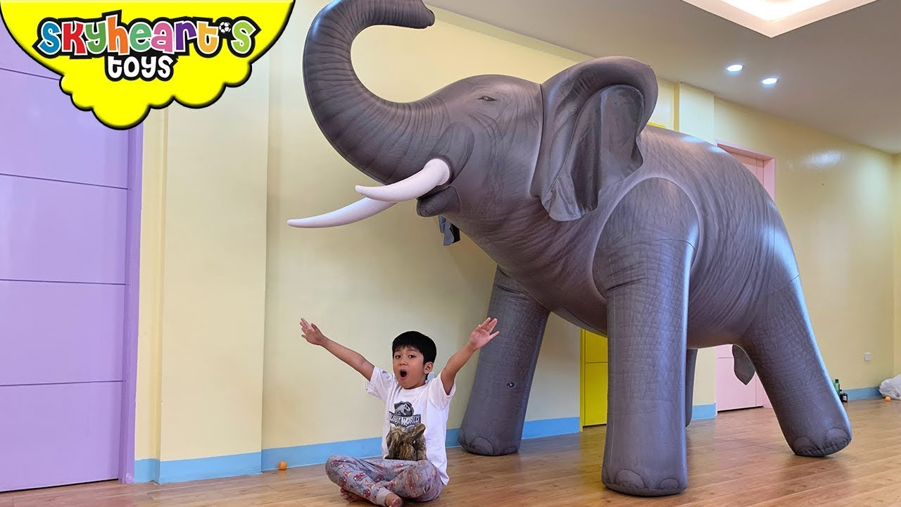 GIANT ELEPHANT Prank! Skyheart animals for kids toys safari pretend play