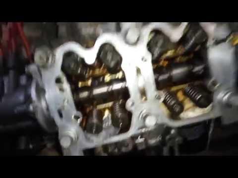 SUBARU EJ18S EJ20 КАК ЛЕГКО Рассухарить клапана.Замена маслосъемных колпачков