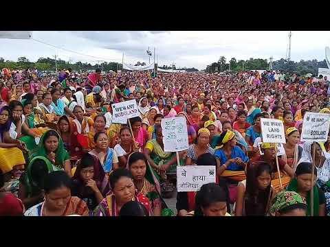 National highway blocked chirang on demand of Bodoland.