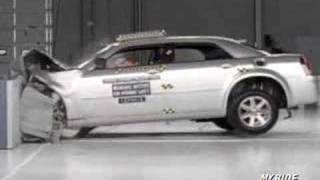 Crash Test: 2005 Chrysler 300