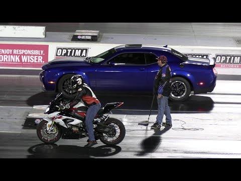 Hellcat Redeye vs BMW 1000RR and Ducati,Hellcat and Camaro SS vs Yamaha R6,Cars vs Motorbikes racing