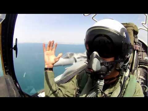 Surcando el cielo desde la bahía de Cádiz