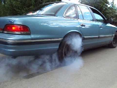 Ford Crown Victoria '93 burnout  YouTube