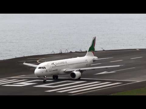 Aeroporto Madeira Descolagem Bulgaria Air Take-off at Madeira Airport, Start