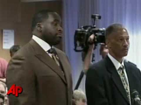 Baltimore Mayor Urged to Resign After Federal Raids