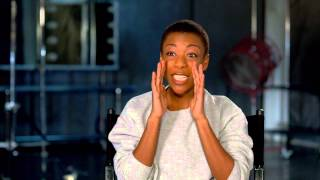 "Orange Is The New Black: Samira Wiley ""Poussey Washington"" Season 2 On Set TV Interview"