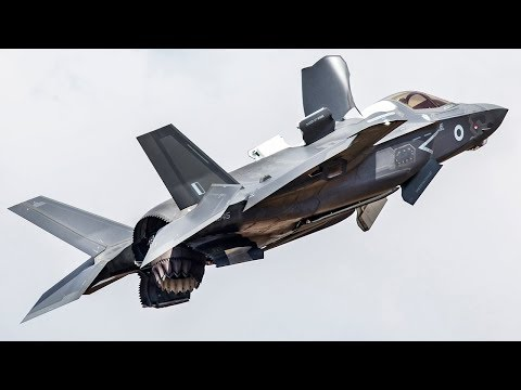 Amazing Footage of F-35 Fighter Jets in All Their Glory