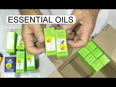 unboxing-essential-oils-aromax