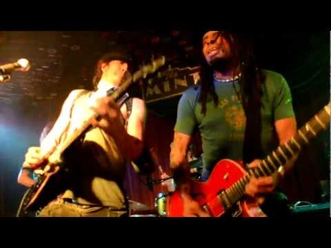 """Lantz Lazwell and The Vibe Tribe @ Cirque Du Rawk (@ The Mint) w Eric McFadden; song - """"Revolution"""""""