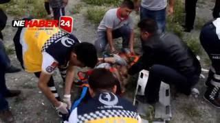 Erzincan da Katliam Gibi Kaza Araç İkiye Bölündü 3 Ölü