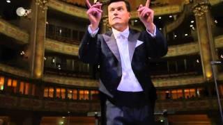 "J.S. Bach WO - BWV 248  Teil1 ""Jauchzet frohlocket "" aus der Frauenkirche Dresden."