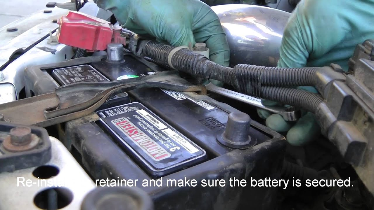 How To Replace A Car Battery (Honda Civic SiR Shown).