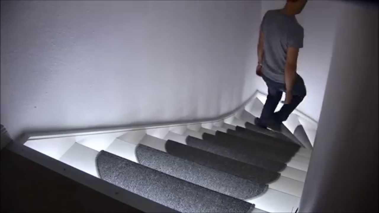 Luces para escaleras starisled tiras led ingenitronics for Escaleras retractiles