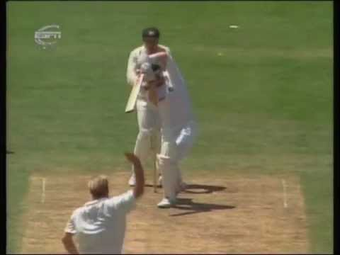 Shane Warne Sets Up Daryll Cullinan With A Classic Flipper