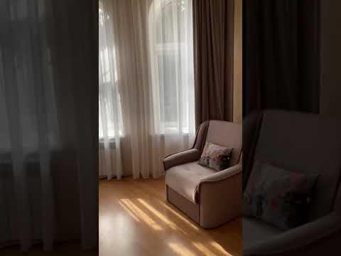 ОБЗОР квартиры в Ялте/ Продажа 2 - комнатной квартиры на  улице Садовая центр