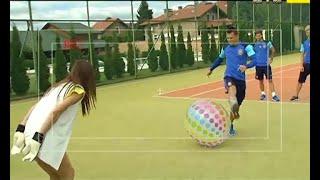 Як збірна України била незвичні пенальті у ворота Олександри Лободи