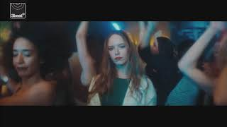 M-22 - How Does It Feel (Official Video)