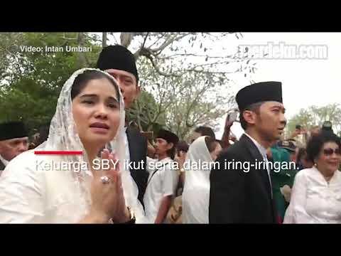 Mengantar Ani Yudhoyono ke Peristirahatan Terakhir