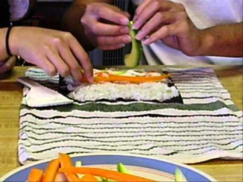 Sushi Rolls Without A Bamboo Mat Youtube