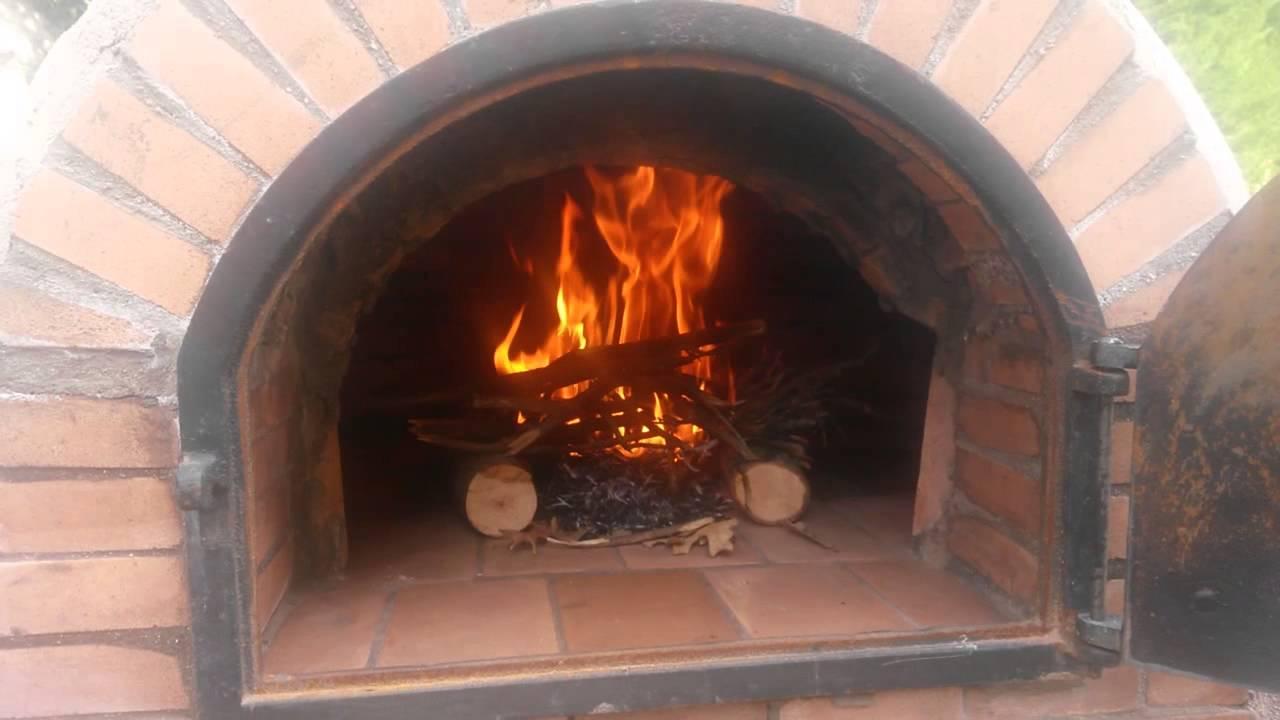 Construcci n de horno de le a y barbacoa primer encendido for Horno de lena con hornilla