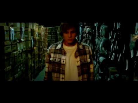 2010. Trailer de cinta de egreso Cine UDD dirigida por Sebastián Radic.
