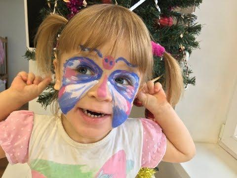 Рисуем бабочку на лице Алиса готовиться к встрече Нового Года рисунки на лице детям аквагрим