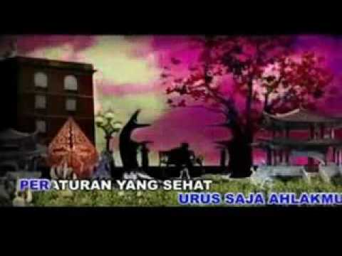 Iwan Fals - Manusia 1/2 Dewa (Karaoke + VC)