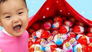 킨더조이 하늘에서 떨어져요! 어린이 인기 영어 동요 조니조니 예스파파 Kinder Joy Surprise Egg Jonhy Jonhy yes papa | 말이야와아이들