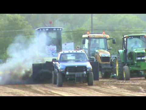 Lebanon Fair Truck Pull  7 29 12