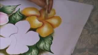 Pintando flores com Soraya Carneiro