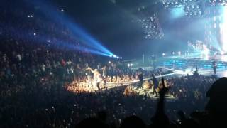 backstreet boys at florida georgia line concert nashville tn 10 13 2016