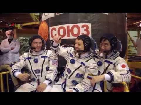 "Экипаж ""Союз - ТМА17М"" на Байконуре"