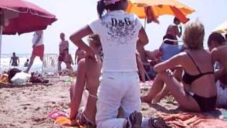 china ilegal dando masaje a giris