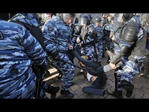 Под Радой произошли столкновения, 10 ранены | В центре Киева #митинг