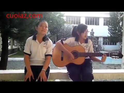 2 nữ sinh vừa đàn ghi ta vừa hát cực đỉnh