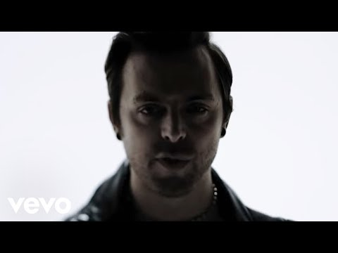 Bullet For My Valentine - Venom (Official Music Video)