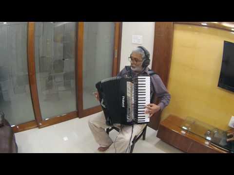 Aaja Sanam Madhur Chandni Me Hum Instrumental On Roland V Accordion FR-8X