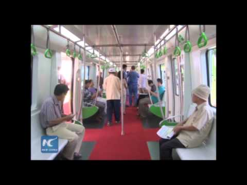 Vietnamese citizens give feedback on China-made train