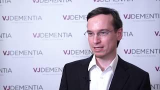 Structural brain connectivity changes in Alzheimer's disease progression