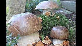 DIY Herbstdeko,mit kaputten Bällen Steinpilze aus Beton gießen /pouring mushrooms from concrete