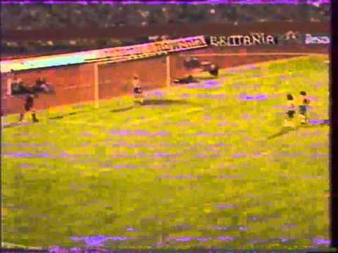 Eder with Brazil vs. Germany friendly 1981 - Curve Free Kick