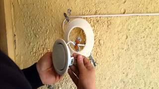 видео Багет для натяжных потолков: особенности монтажа пластиковых и алюминиевых профилей