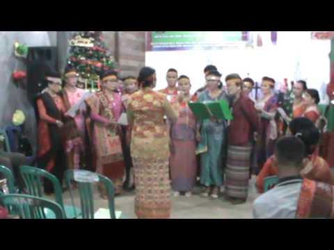 HKBP TENGGARONG,natal 17122016,koor ina glory