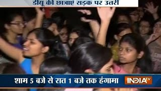 DU Girls Protest over Water Shortage in Girls' Hostel at Mukherjee Nagar in Delhi