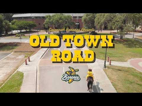 Laura Anderson - WATCH:  The Savannah Bananas take on Old Town Road