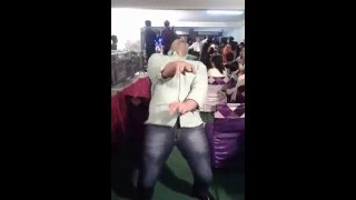 Dancing freestyle in Bollywood country, solo on Battamiz dil